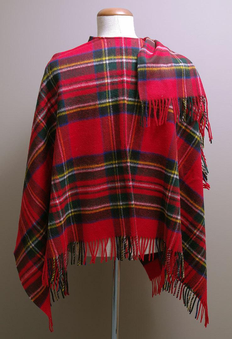 poncho mini lambswool royal stewart bronte tweeds karo rot. Black Bedroom Furniture Sets. Home Design Ideas