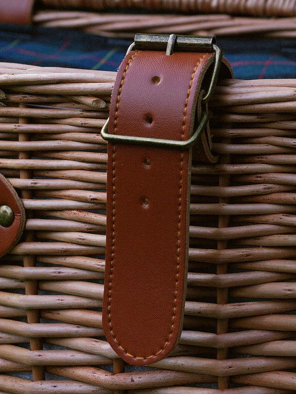 picknickkorb tartan green f r 2 personen les jardins. Black Bedroom Furniture Sets. Home Design Ideas