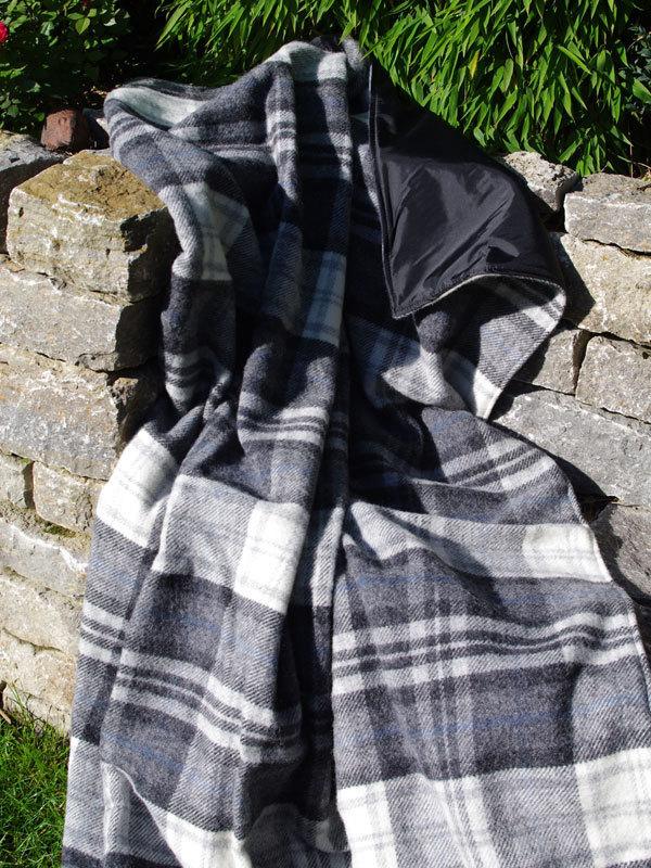 xxl picknickdecke eventer cottage grey tweedmill. Black Bedroom Furniture Sets. Home Design Ideas