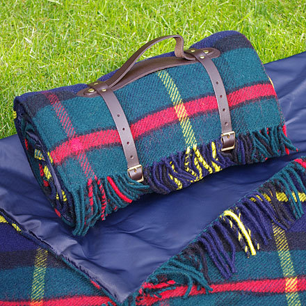 xxl picknickdecke polo hunting mcleod tweedmill. Black Bedroom Furniture Sets. Home Design Ideas