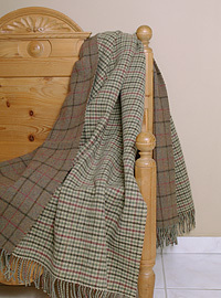 Johnstons Wolldecke - Zweiseitiges PLAID Gunclub & Windowpane