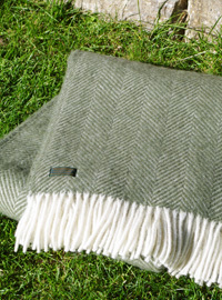 Wolldecke - LIFESTYLE PLAID - Fishbone Olive