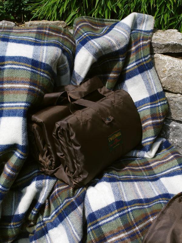 xxl picknickdecke eventer muted blue stewart tweedmill. Black Bedroom Furniture Sets. Home Design Ideas