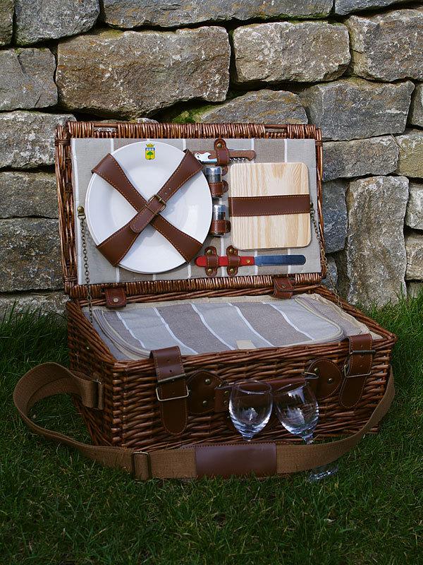 picknickkorb amboise stripes f r 2 personen les jardins. Black Bedroom Furniture Sets. Home Design Ideas