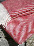 Wolldecke - LIFESTYLE PLAID - Fishbone Cranberry