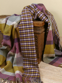 Johnstons Wolldecke - Zweiseitiges PLAID Heather Block Check